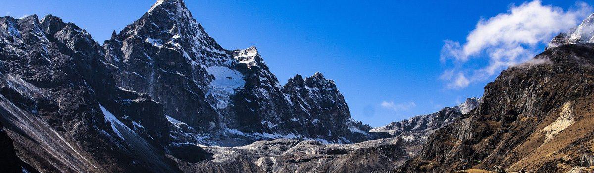 Nepal cautiously reopens international flights